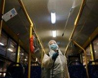 Фахівці пояснили, чому спека не зупиняє коронавірус