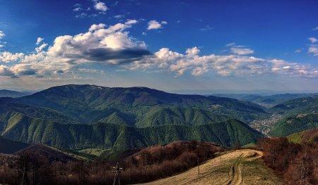 Туристична Тячівщина: запрошує насолодитись водоспадами, озерами та печерами (відео)