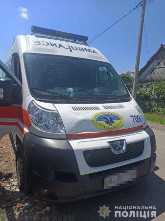 Поліція Мукачівщини затримала хулігана, який умисно пошкодив автомобіль «швидкої»