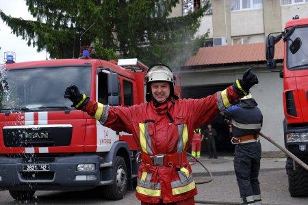 На пенсію колегу проводили закарпатські вогнеборці
