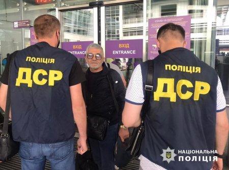 Кримінального «авторитета» «Діда», затриманого на Закарпатті, видворили з України (ФОТО)