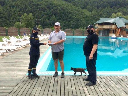 Мешканці Іршави та Рахова слухали від рятувальників правила безпеки на воді