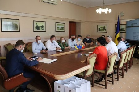 У Закарпатській ОДА обговорили перспективи переробки твердих побутових відходів