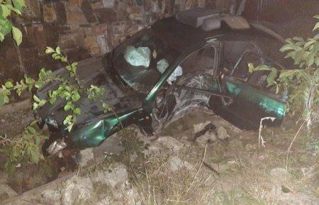 На Виноградівщині Audi влетіла в стовп (ФОТО)