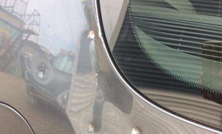На відпочинковій зоні Ужгорода малолітні цигани розбивають автомобілі відпочивальників (фото)