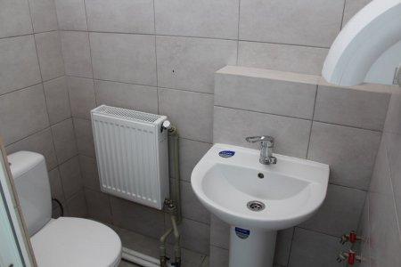 На Виноградівщині в школах продовжують облаштовувати вбиральні (фото)
