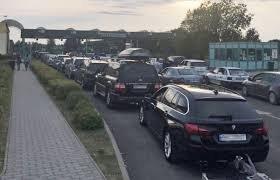 """Величезні черги утворились на КПП """"Лужанка"""" (відео)"""