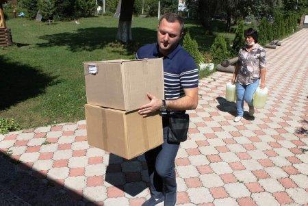 Боротьба з Covid: лікарям Тячівщини передали медматеріали (фото)