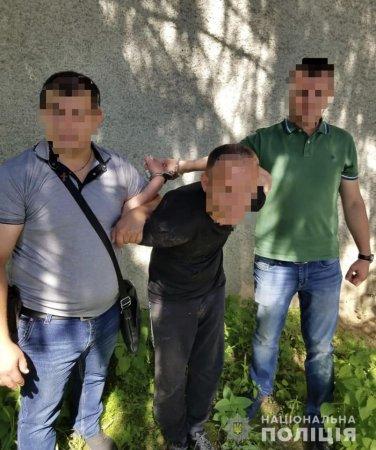 В Тячеві раніше судимий чоловік  з ножем напав на пенсіонерку (Фото)