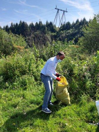 Олексій Петров на Міжгірщині прибирав сміття (Фото)