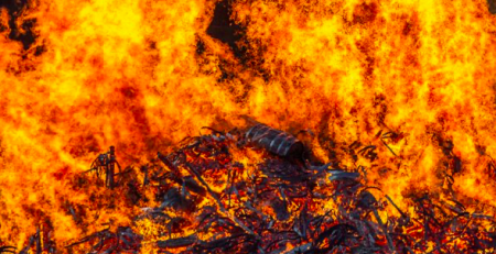 На Закарпатті під час руху загорівся автомобіль (ФОТО)