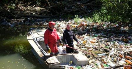 110 кубометрів сміття витягнули з річки Боржава на Закарпатті