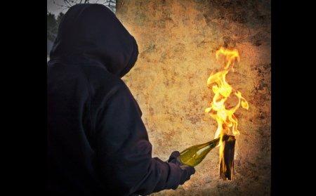 В Мукачеві невідомий намагався спалити кафе