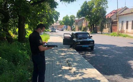 В Ужгороді на Анкудінова пошкоджено нещодавно викладений тротуар