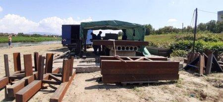 У Мукачеві почали будівництво першого у місті пішохідного мосту (фото)