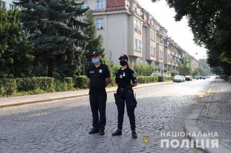 Поліція Закарпаття забезпечує публічний порядок і безпеку під час святкових вихідних