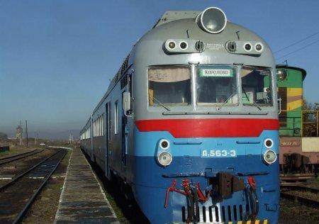 Заснув на колії: на Виноградівщині поїзд відрізав ногу чоловіку