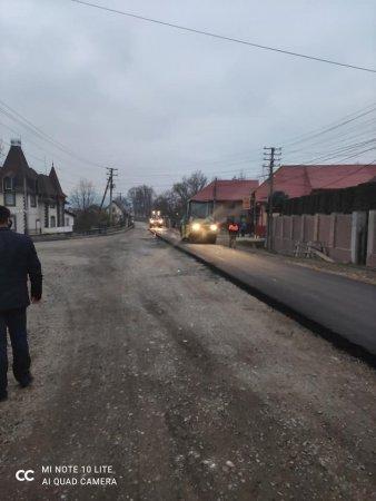 На Рахівщині почали асфальтування дороги Великий Бичків-Водиця (ФОТО)
