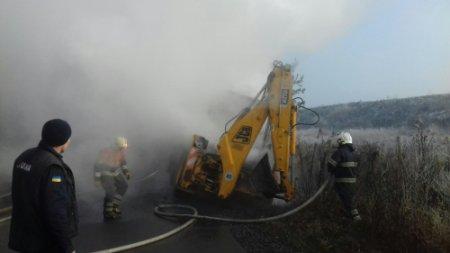 На Хустщині загорівся трактор